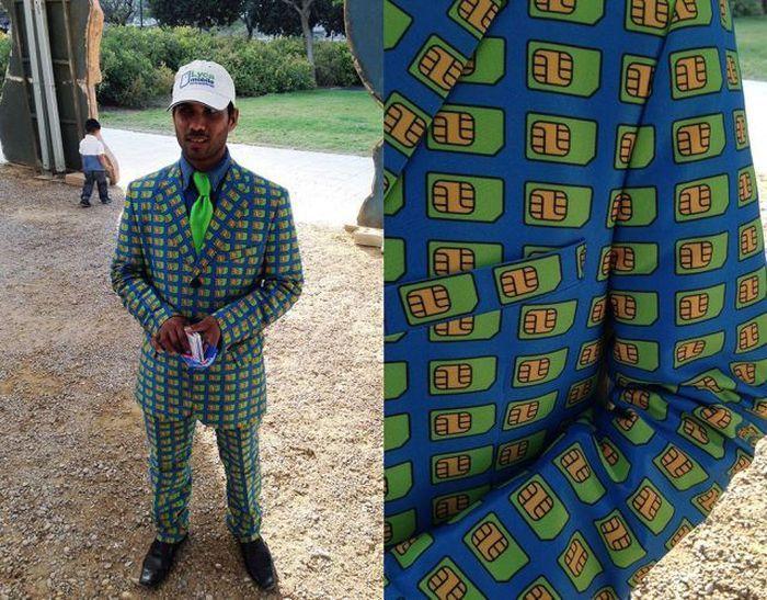Яркие фото костюм, сим карта, смешной наряд