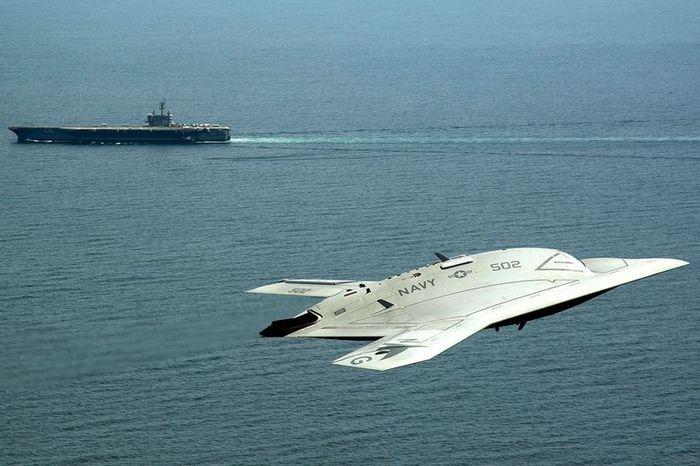 самолет, беспилотник, сша, палуба, бомба