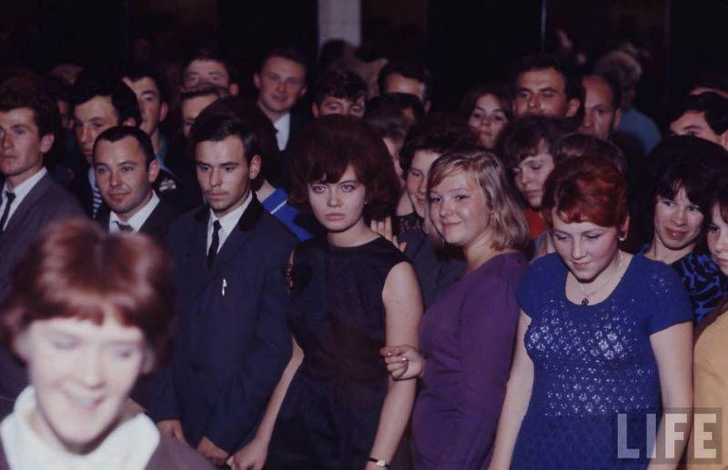 Повседневная жизнь советских людей в 60-е