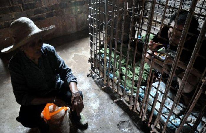 тюрьма, убийство, мать, в клетке, жесть,