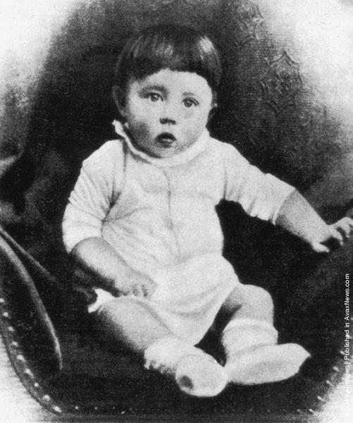 Адольф Гитлер в молодости (29 фото)