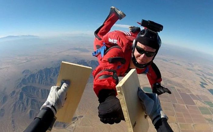 Фотоприкол вид сверху, доска, полет, свободное падение