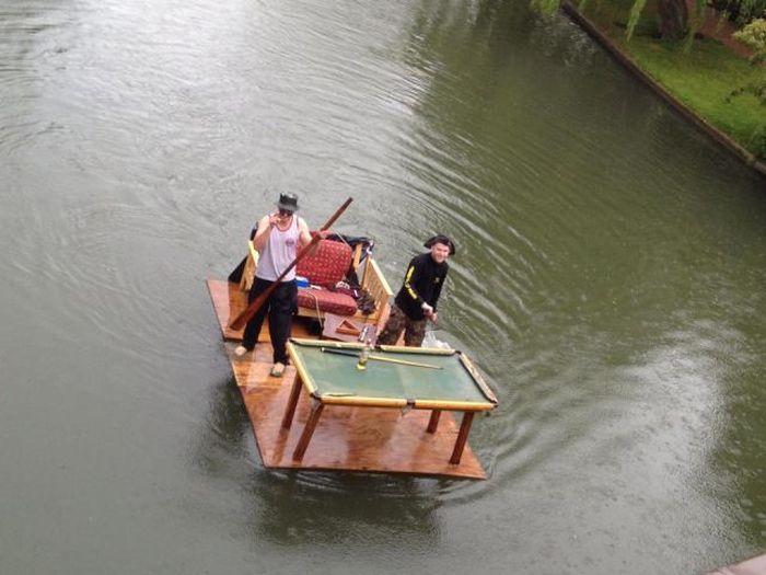 Юмор бильярдный стол, на воде, плот, река