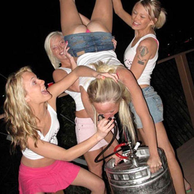 Смешные картинки пьяных баб, словами спасибо подруге