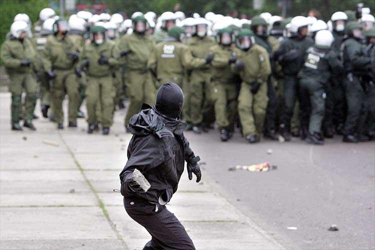 Беспорядки в Германии (15 фото)