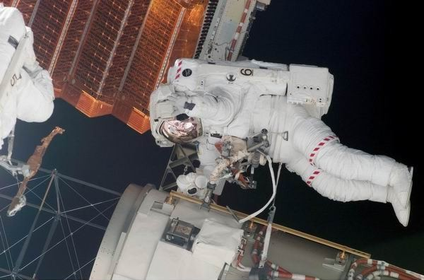 Один день из жизни космонавта (71 фото)