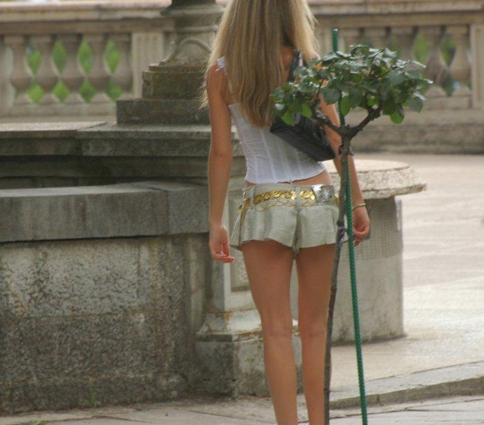 Rubias en minifaldas