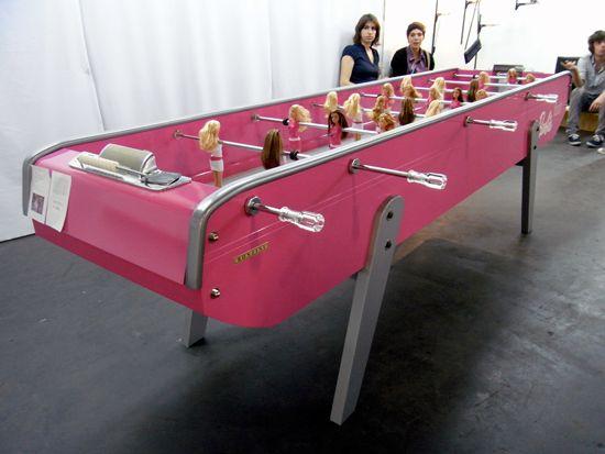 Футбольный стол для девочек (4 фото)