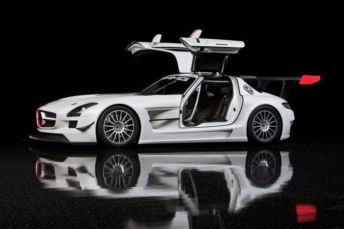 Mercedes SLS AMG GT3 (16 фото+видео)