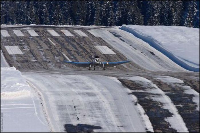 Опасный аэропорт в Куршавеле (10 фото + видео)