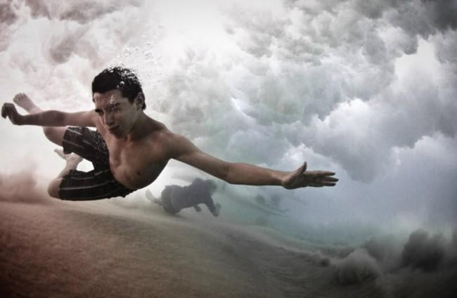 Необычные фото сёрфингистов (18 фото)
