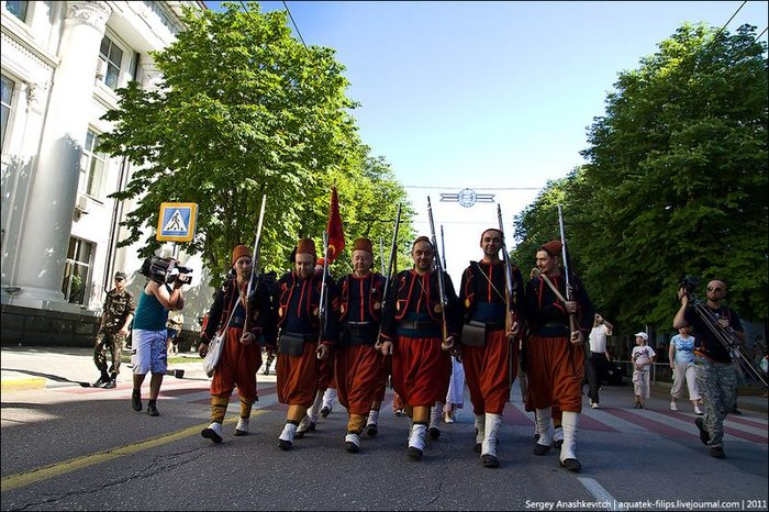 Парад исторических клубов в Севастополе (35 фото)