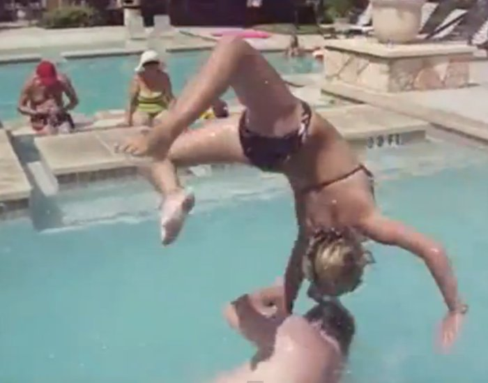 Видеоподборка неудач в бассейне (видео)