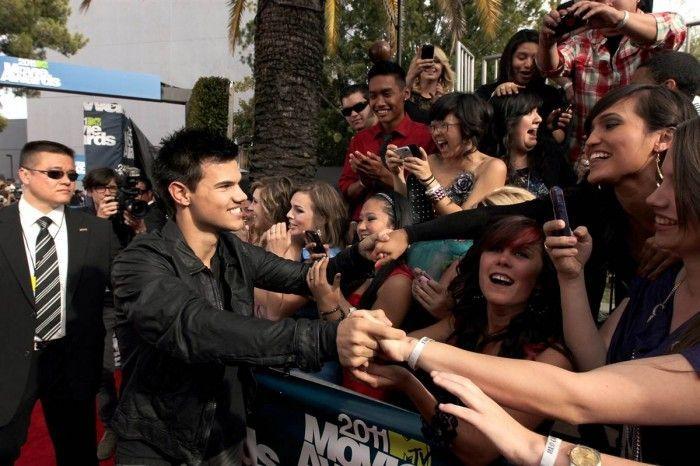Вручение премии MTV Movie Awards (13 Фото)