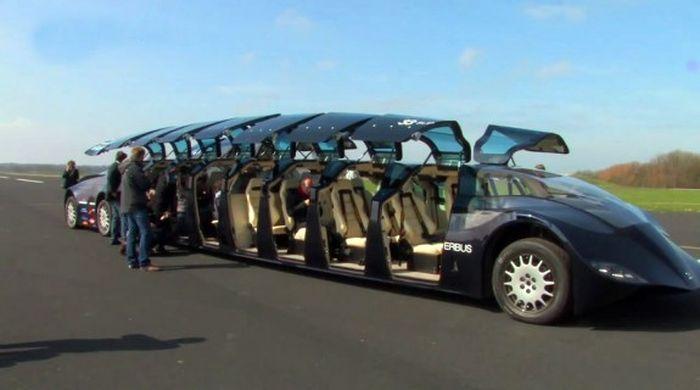 В Голландии испытан Superbus с 16 дверьми-крыльями (4 фото)
