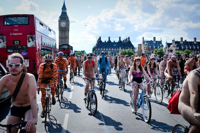 Голые покатушки в Лондоне (33 фото НЮ)