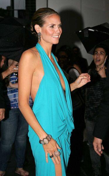 Откровенное платье Хайди Клум (6 фото)