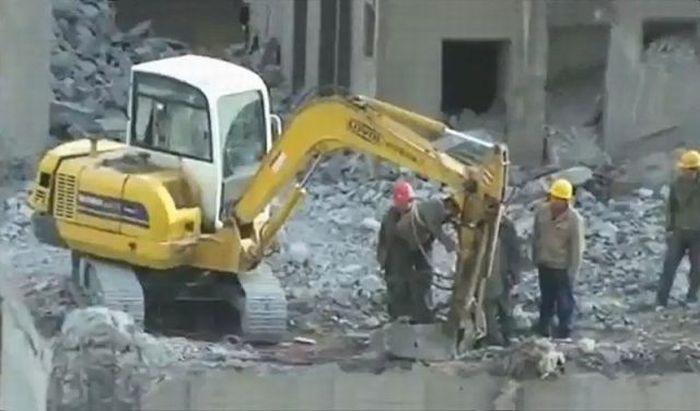 Безбашенные китайские строители (14 фото)
