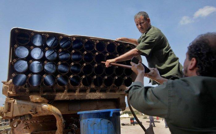 Самодельное оружие ливийских мятежников (34 фото)
