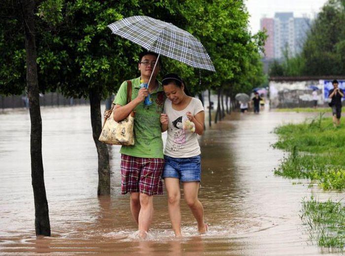 Мокрая прогулка (3 фото)
