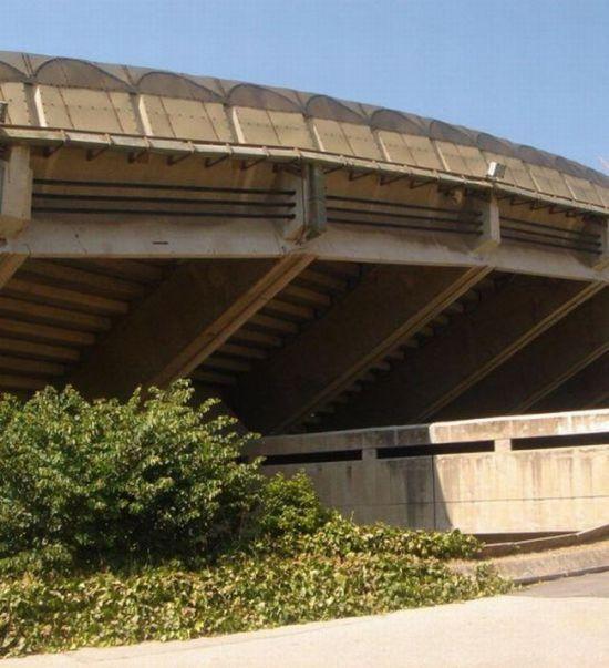 По какой причине остановили снос стадиона? (5 фото)