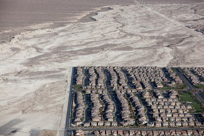 Лас-Вегас с высоты птичьего полета (2 фото)