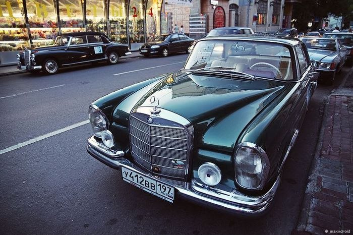 Mercedes-Benz Classic Day в Москве (57 фото)