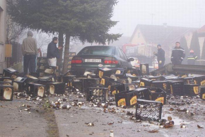 Пивная авария в Хорватии (11 фото)