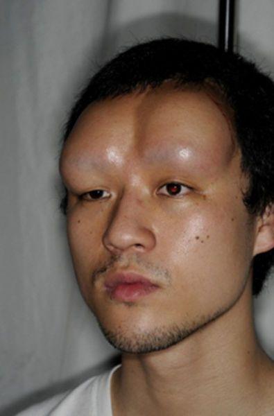 Подростки из Японии усовершенствуют свое тело (8 фото)