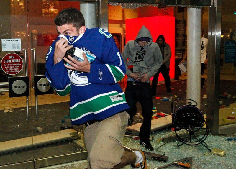 Ванкувер после разгула фанатов