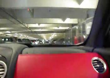 Езда по подземной парковке на скорости 150 км/ч