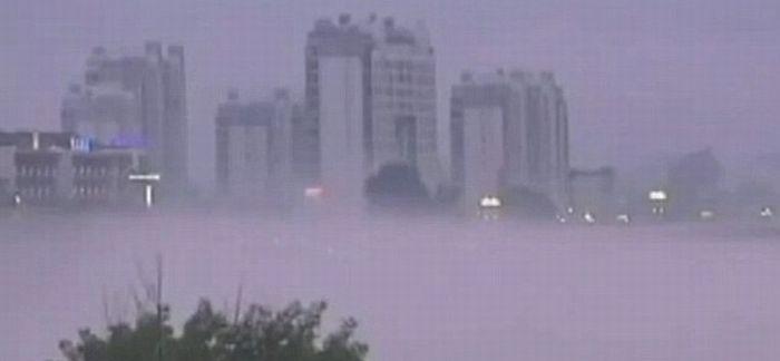 Китайцы стали свидетелями удивительного миража на все небо (4 фото + 2 видео)