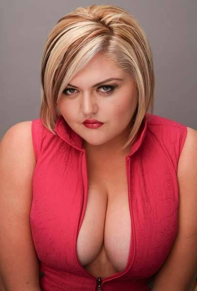 Крупная девочка Линдсей Хейворд выжимает 320 кг (16 фото)