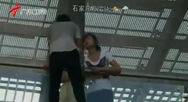 Поцелуй спасает жизнь (видео)