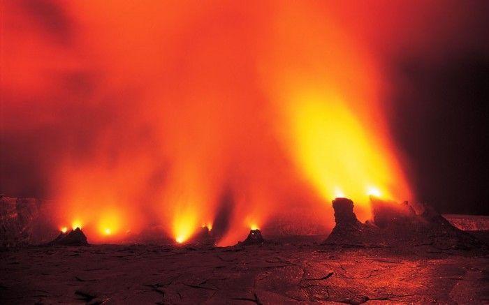 Человек, который фотографирует вулканы (14 фото)