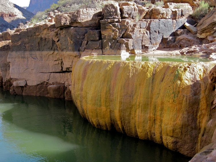 Бассейн-тыква с мышьяком в Гранд Каньоне (9 фото)