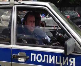 Приструнил полицейских