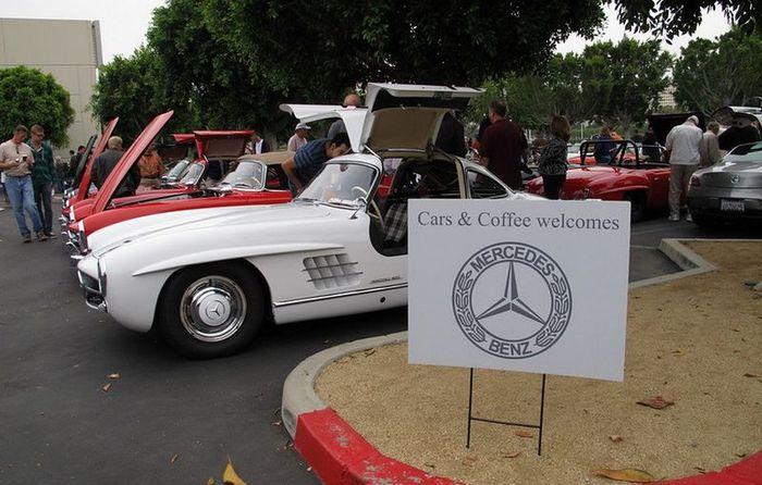 Фанаты Mercedes-Benz организовали встречу Cars&Coffee (40 фото)
