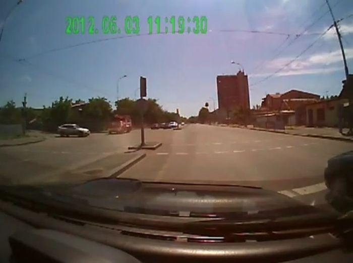 Авария дня часть 597 (11 фото+видео)
