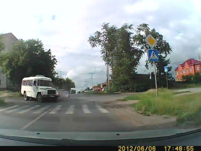 Авария дня часть 600 (фото+видео)
