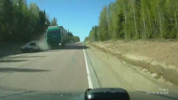 Три подборки свежих аварий (3 видео)