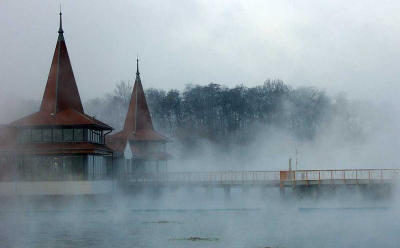 Венгерские термальные бассейны (12 фото)