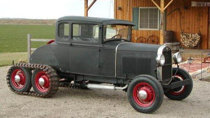 Винтажный Ford Model A 1931 года выпуска на шести колесах (5 фото)