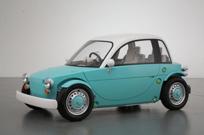 Компания Toyota представила машину-игрушку для детей и взрослых (13 фото+видео)