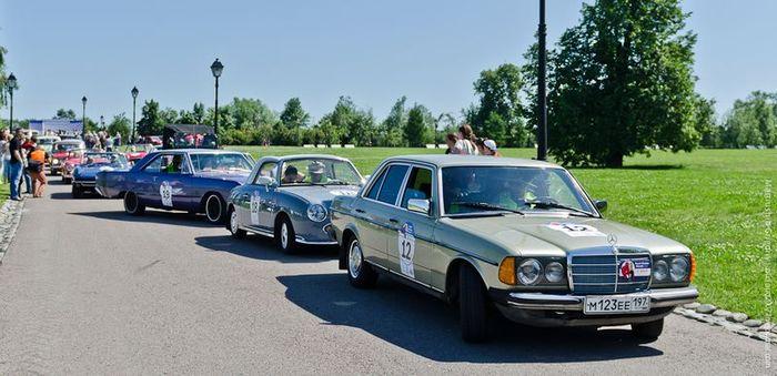 Ралли ретро-автомобилей в Царицыно (47 фото)