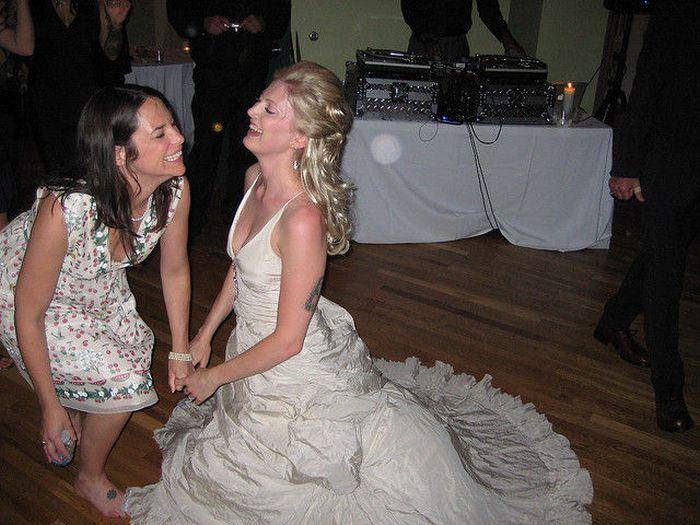 Пьяные телки на свадьбе фото