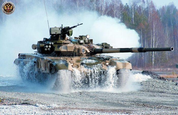 Международный салон вооружений и военной техники (9 фото + 1 видео)