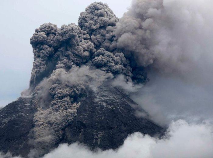 Вулканы острова Ява (20 фото)