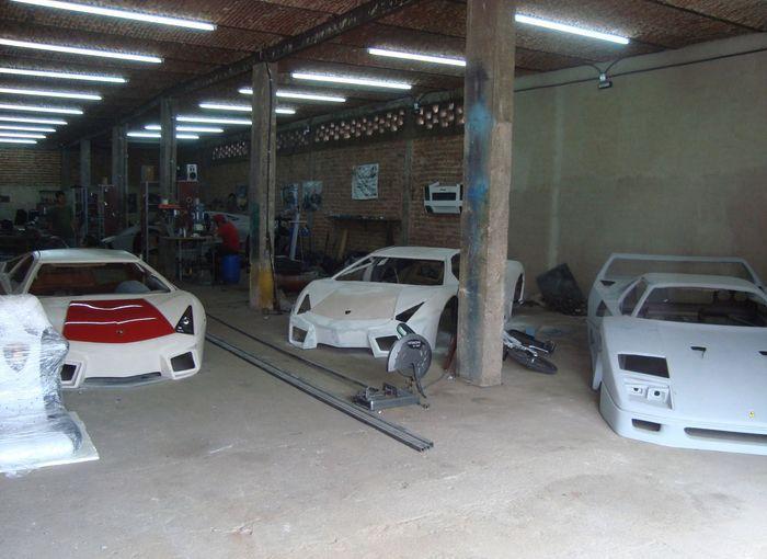 Мексиканцы штампуют реплики на Ferrari и Lamborghini (16 фото+2 видео)