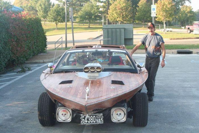 Машина из лодки с оленем на сиденье (6 фото)